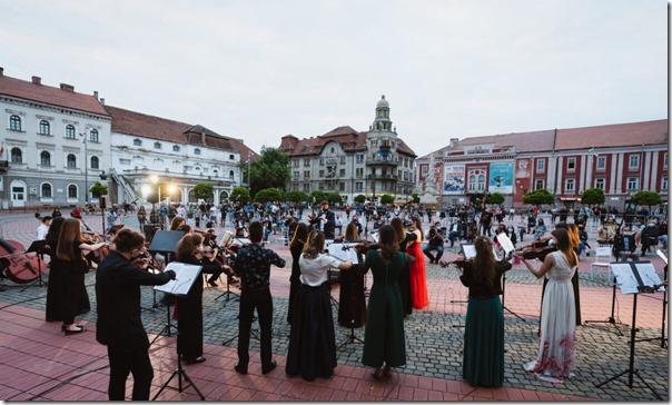 Seara-de-muzica-si-teatru-3-la-Timisoara-Foto-UVT-scaled